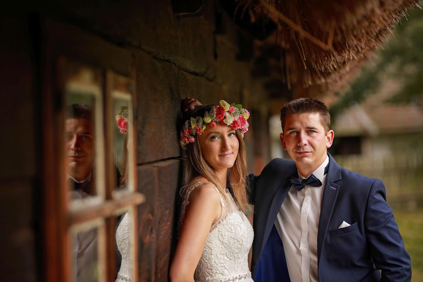 sesja ślubna w starym skansenie